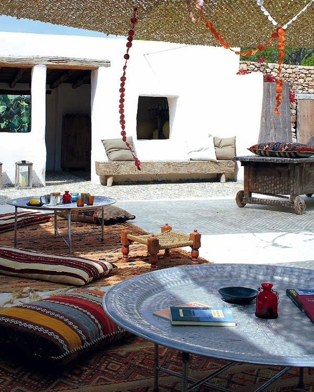 moroccan garden via thediversionproject via mi casa